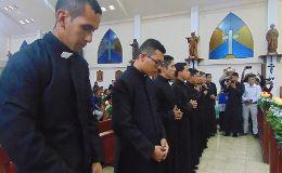 Einkleidung neun neuer Novizen des IVE in Ecuador und Ukraine